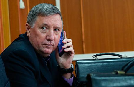 Бывший главнокомандующий Сухопутных войск РФ Владимир Чиркин, обвиняемый в получении взятки, перед рассмотрением по существу уголовного дела в Московском гарнизонном суде.