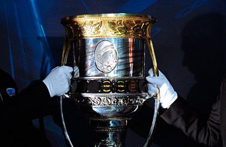Главный трофей Континентальной хоккейной лиги «Кубок Гагарина».
