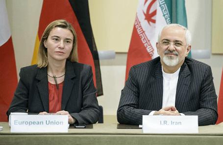 Верховный представитель ЕС Федерика Могерини и глава МИД Ирана Джавад Зариф на переговорах в Лозанне