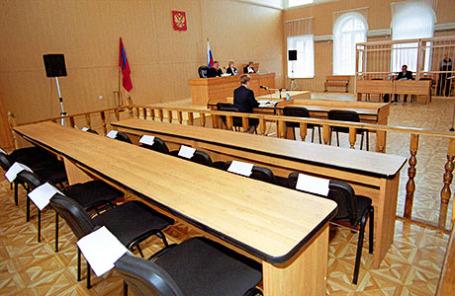 Места для 12 присяжных заседателей (на снимке).