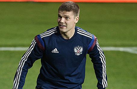Футболист Игорь Денисов.