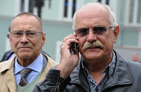 Режиссер Андрей Кончаловский и председатель союза кинематографистов России Никита Михалков (слева направо).