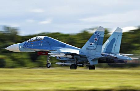 Самолет ВВС РФ Су-27.