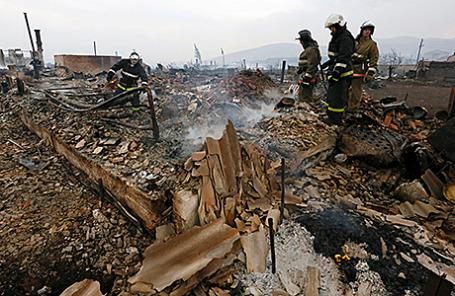 Последствия пожара в поселке Шира, Хакасия, Россия.