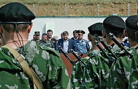 Президент Чечни Рамзан Кадыров участвует в военном параде.