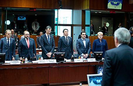 Минута молчания во время экстренного саммита по вопросам нелегальной миграции в Брюсселе.