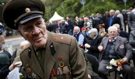 Ветераны Второй мировой войны в Тбилиси, Грузия, 9 мая 2015.
