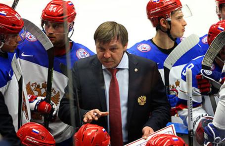 Главный тренер сборной России по хоккею Олег Знарок.