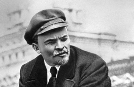 Владимир Ильич Ленин на параде войск Всевобуча в Москве, 1919 г.