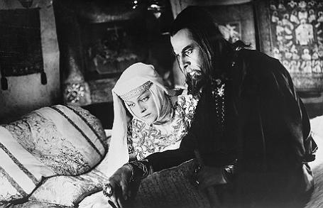 Людмила Целиковская и Николай Черкасов в фильме «Иван Грозный» (1945 год).