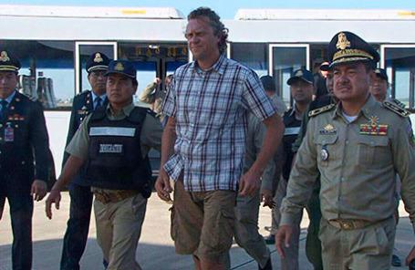 Российский бизнесмен Сергей Полонский в международном аэропорту Пномпеня.