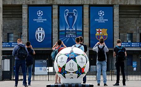 Олимпийский стадион в Берлине, где пройдет финальный матч Лиги чемпионов УЕФА.