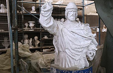 Одна из моделей памятника святому князю Владимиру, который планируется установить в Москве.