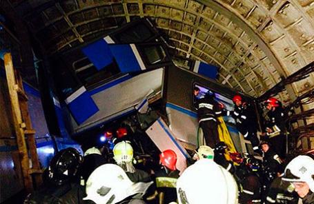 15 июля 2014 произошла авария в тоннеле между станциями «Славянский бульвар» и «Парк победы» на Арбатско-Покровской линии.