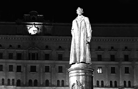 Памятник Феликсу Эдмундовичу Дзержинскому на Лубянке, 1958 год.