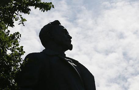 Памятник Феликсу Эдмундовичу Дзержинскому.