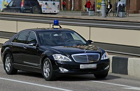 Автомобиль со спецсигналом на одной из улиц столицы.