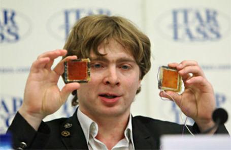 Молодой ученый Дмитрий Лопатин.