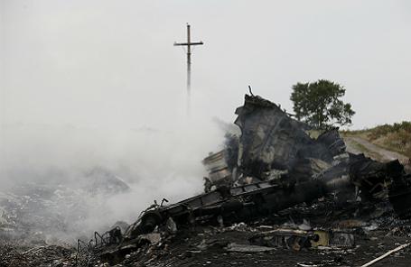 Место крушения Boeing 777 в Донецкой области.