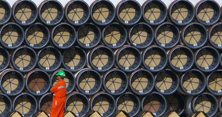 Трубы для строительства газопровода.