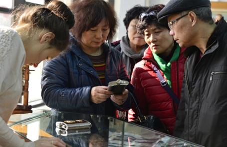 Китайские туристы во Владивостоке.