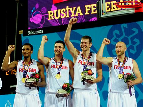 Российские спортсмены Илья Александров, Александр Павлов, Андрей Каныгин и Леопольд Лагутин.