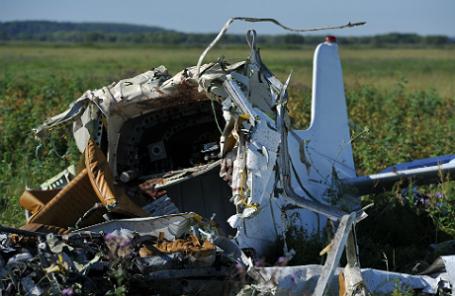 На месте крушения легкомоторного самолета.