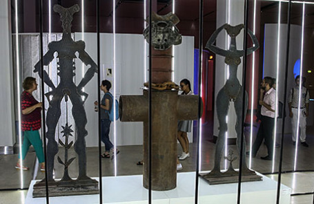 На открытии выставки «Скульптуры, которых мы не видим» в ЦВЗ «Манеж».