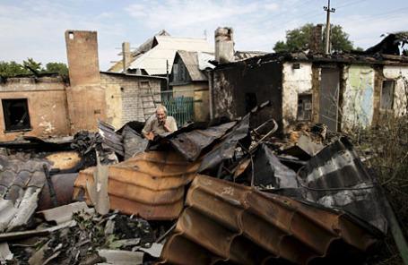 Последствия артобстрела в Донецке.