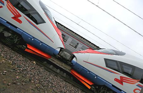Сдвоенный состав «Сапсан», который курсирует между Москвой и Петербургом, вошел в Книгу рекордов Гиннесса как самый длинный в мире скоростной электропоезд. Длина поезда составила 500 метров и 78 сантиметров.