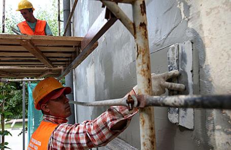Фасадные работы в рамках капитального ремонта жилых домов.