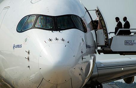 Самолет Airbus A350-900 на Международном авиационно-космическом салоне МАКС.