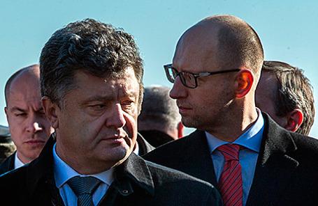 Президент Украины Петр Порошенко и премьер-министр Украины Арсений Яценюк (слева направо на первом плане).