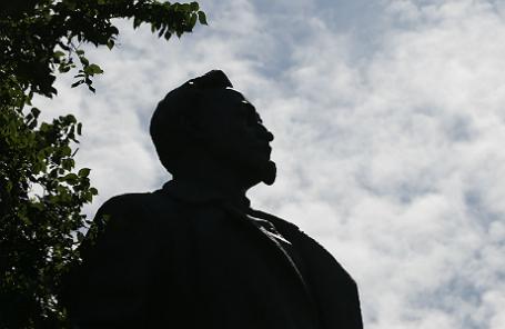 Памятник Феликсу Дзержинскому в парке искусств «Музеон».