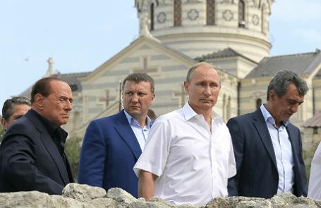 Президент РФ В.Путин и бывший премьер-министр Италии С.Берлускони в Крыму