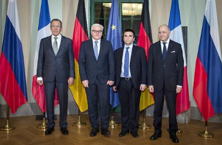 Главы МИД России, Германии, Украины и Франции Сергей Лавров, Франк-Вальтер Штайнмайер, Павел Климкин и Лоран Фабиус (слева направо).