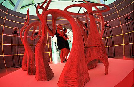 На выставке советского авангарда «Скульптуры, которых мы не видим» в ЦВЗ «Манеж».
