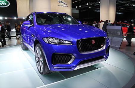 Jaguar F Pace.
