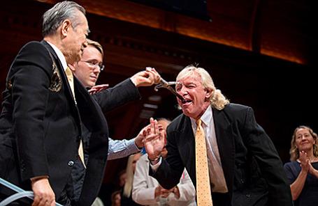 На церемонии вручения Шнобелевской премии в Гарвардском университете в Кембридже, Массачусетс, США, 17 сентября 2015.