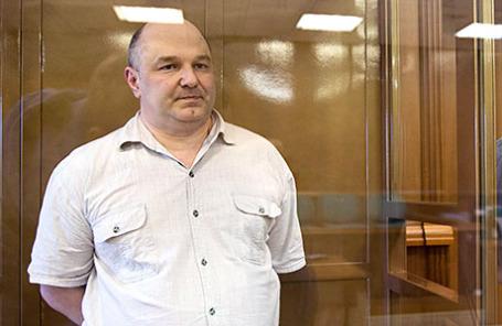 Бывший сотрудник ГРУ Геннадий Кравцов, обвиняемый в госизмене, перед началом оглашения приговора в Мосгорсуде.