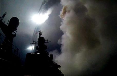 Запуск крылатых ракет «Калибр» с кораблей Каспийской флотилии ВМФ России по объектам «Исламского государства» (ИГ) в Сирии.