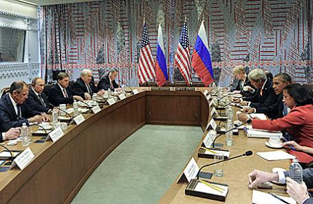 Российская и американская делегации во время встречи в рамках 70-й сессии Генассамблеи ООН в Нью-Йорке.