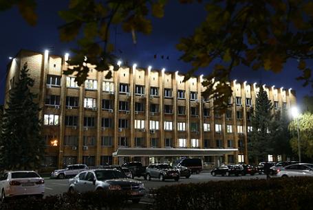 Здание администрации Красногорска, где были убиты первый заместитель мэра Красногорска Юрий Караулов и руководитель красногорских электросетей Георгий Котляренко.