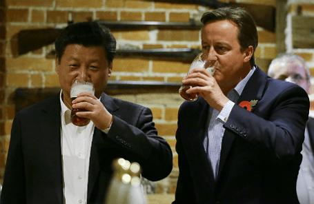 Премьер-министр Великобритании Дэвид Кэмерон и председатель КНР Си Цзиньпин