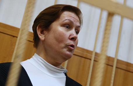 Директор Библиотеки украинской литературы Наталья Шарина, обвиняемая в распространении экстремистских материалов, во время рассмотрения ходатайства следствия об ее аресте в Таганском районном суде.