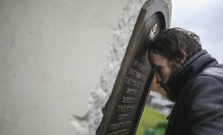 Установка закладного камня в основание памятника святому князю Владимиру в Москве.