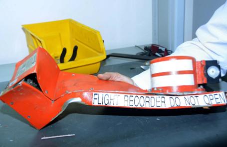 Бортовой самописец разбившегося самолета Airbus A321 авиакомпании «Когалымавиа», выполнявшего рейс Шарм эль-Шейх — Санкт-Петербург.