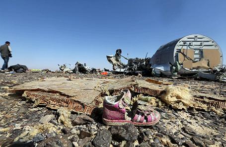 На месте крушения российского Airbus A321 в Египте.