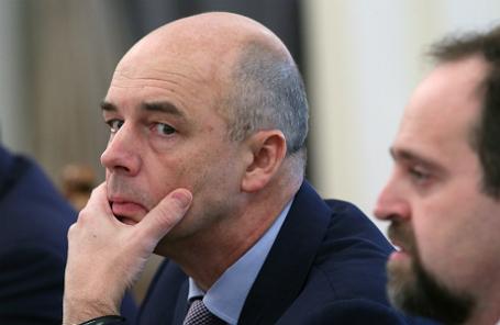 Министр финансов РФ Антон Силуанов (слева).
