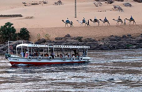 Туристы в Асуане, Египет.